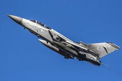 Panavia Tornado F3 ZE982/FR (MichaelHind) Tags: aviation panavia tornado f3 ze982fr ze982 royal air force 25f sqn raf leeming coningsby feb 2007 royalairforce rafconingsby