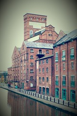 Shropshire Union Canal (pjfchad) Tags: chester cheshire shropshireunioncanal canal mill warehouse steammill