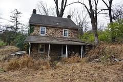 DSC00918 (hawkshoe) Tags: abandoned homes se pa
