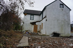 DSC00945 (hawkshoe) Tags: abandoned homes se pa