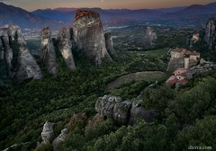 Meteora, Grecia (dleiva) Tags: meteora greece awe landscapescenery majestic ancient greekculture history traveldestinations architecturalcolumn architecture famousplace kalabaka monastery sandstone antique beauty fame geographicallocations geology highup horizontal internationallandmark nature oldfashioned outdoors panoramic photography plain rockobject scenicsnature solid stability tallhigh textured thepast thessaly trikkala dleiva domingo leiva grecia