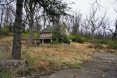 DSC00915 (hawkshoe) Tags: abandoned homes se pa