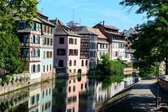 La Petite France, Strasbourg (George Plakides) Tags: lapetitefrance strasbourg france canal halftimber house