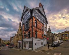 Stirling (Fil.ippo) Tags: scotland scozia stirling medieval old town cityscape clouds sky sunset tramonto nuvole cielo panorama paesaggio urban filippobianchi filippo fuji xt2 house casa street