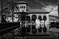 Reflejos de la Alhambra (José Luis Esteve) Tags: granada generalife andalucia españa arquitectura monumentos bn monocromo alhambra reflejos josélesteve reflexes monuments httpsgooglsearchpatrimoniodelahumanidadpatrimoniodelahumanidadcategoríadesitiosdeinteréshttpsgooglsearchpatrimoniodelahumanidadpatrimoniodelahumanidadcategoríadesitiosdeinterés