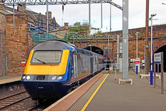 Photo of 43175 arriving at Edinburgh Haymarket with a Scotrail Inter7city service.