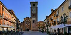 Chivasso (Piamonte, It) – Dans le centre ville (caminanteK) Tags: chiavasso piemonte italie levoyagedemontaigne viafrancigena