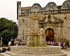 A0783HAVAc (preacher43) Tags: cuba havana plaza san francisco asís old basilica fuente leones fountain lions