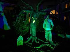 gary1 (Ricky Grove) Tags: yardhaunt halloween halloweendecorations