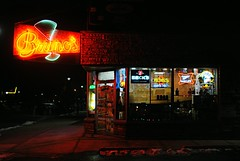 Bruno's Liquors - Lake Geneva, Wisconsin (Cragin Spring) Tags: wisconsin wi midwest unitedstates usa unitedstatesofamerica lakegeneva lakegenevawi lakegenevawisconsin walworthcounty night liquor liquorstore liquors neon neonsign vintage vintagesign brunos brunosliquors