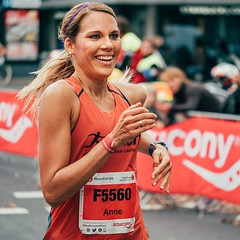 Köln-Marathon 2019-08 (Tom Levold (www.levold.de/photosphere)) Tags: candid cologne fuji fujixt2 köln kölnmarathon2019 läufer marathon portrait porträt runners sport xf80mmf28