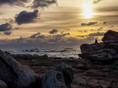 Res communis - Saint Guénolé, Finistère. (www.gilpivert.fr) Tags: bretagne finistère mer coucherdesoleil couleurs beach vagues france tempete