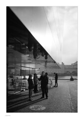 Around Slotsholmen, Mono (Michael Fleischer) Tags: slotsholmen copenhagen autumn sidelight tonality detail cloud sky people shadow blackwhite monochrome tamron sp 35mm f14 di usd nikon d810