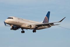 United Express (SkyWest Airlines) Embraer ERJ-175 N110SY (jbp274) Tags: sba ksba airport airplanes embraer erj175 e175 skywest oo unitedexpress