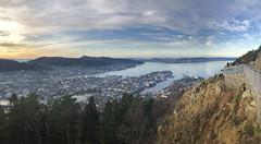 Byen og havet -|- Town and ocean (erlingsi) Tags: town fløien bergen øygarden byen hordaland norway utskue view søndagstur sunday fjorden havet himmel sky