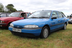 Ford Mondeo 1.6 K155OPX (Andrew 2.8i) Tags: festival unexceptional buckinghamshire middle claydon meet show coche voitures voiture autos auto cars car euro european hatch hatchback fordofeurope base 1600 16 mondeo ford k155opx