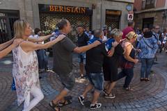 La conga (Samarrakaton) Tags: samarrakaton 2019 nikon d750 2470 bilbao bilbo bizkaia cascoviejo sietecalles paisvasco basquecountry euskadi gente people astenagusia semanagrande fiestaspopulares