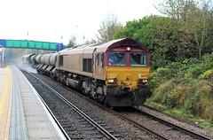 EWS - DB Cargo 66079 - Mansfield Woodhouse (the mother '66' 66001) Tags: ews dbschenker dbcargo class66 66079 66085 mansfield mansfieldwoodhouse 3j89 t toton robinhoodline railways rhtt nottinghamshire nottinghamshirerailways leafbusting ukrailways