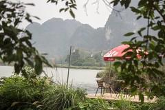 Sombrilla (rraass70) Tags: canon d700 paisajes rio agua ninbinh deltadelriorojo vietnam