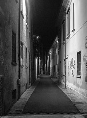 The alley (Alfredo Liverani) Tags: weeklythemechallenge wtc weekly theme challenge afterdark after dark canonm50 canon m50 eos eosm50 canoneosm50 eoskissm pointandshoot point shoot ps flickrdigital flickr digital camera cameras rimini rimini2019 italianostrafaenza italianostra italianostra2019