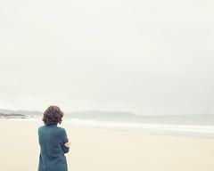 Verdeoscurocasiazul (xelea) Tags: seasonsmydiary invierno winter portrait playa beach
