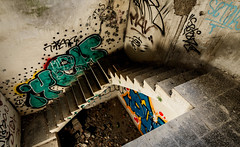 Stairway to hell. (Ricardo Pallejá) Tags: urbex urbana urban urbanexploration urbandecay urbanphotography underground urbexplaces urbexworld ruinas d500 decay lost nikon new rural ruins ruina stairway hell graffiti lightroom light shades street sombras tokina1116 textura old oxide óxido