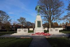 War Memorial,Hope Paton Park,Montrose_nov 19_607 (Alan Longmuir.) Tags: hopepatonpark warmemorial tayside montrose