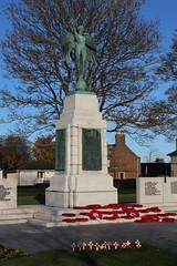 War Memorial,Hope Paton Park,Montrose_nov 19_613 (Alan Longmuir.) Tags: hopepatonpark warmemorial tayside montrose