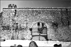 Essalois sous la neige      Zorki 1D  sERENAR 35MM   (23) (Bokey Shutter) Tags: zorki1d jupiter8 noirblanc loire