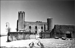 Essalois sous la neige      Zorki 1D  sERENAR 35MM   (20) (Bokey Shutter) Tags: zorki1d jupiter8 noirblanc loire