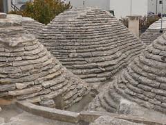 Alberobello Trulli, Dächer (zikade) Tags: trulli trullihouses alberobello puglia italia apulien italien italy dächer roofs