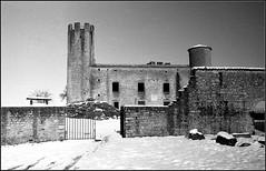 Essalois sous la neige      Zorki 1D  sERENAR 35MM   (21) (Bokey Shutter) Tags: zorki1d jupiter8 noirblanc loire