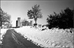 Essalois sous la neige      Zorki 1D  sERENAR 35MM   (19) (Bokey Shutter) Tags: zorki1d jupiter8 noirblanc loire