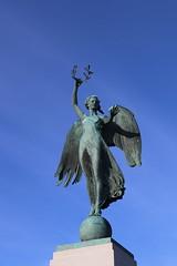 War Memorial,Hope Paton Park,Montrose_nov 19_609 (Alan Longmuir.) Tags: hopepatonpark warmemorial tayside montrose