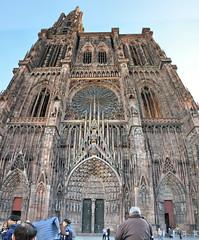Strasbourg, Cathédrale Notre-Dame-DSC_5263pan-p (Milan Tvrdý) Tags: strasbourg cathédralenotredame france cathedralofourlady alsace elsass