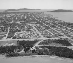 Uashat et Sept-Îles (Bibliothèque et Archives nationales du Québec) Tags: vueaérienne uashat septîles banq