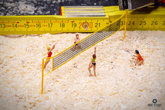 Volleyball (bs1ffm) Tags: preiser h0figuren h0 toys toyphotography tabletopphotography toy toyphotographie ttl tabletop toyfotographie studio spielzeug surreal surreality surealism new sport flickr figures fantasy fun miniaturen modelleisenbahnfiguren makro minifigures macro minifigs miniature macrophotograhy minifig