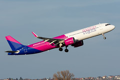 HA-LVF (Andras Regos) Tags: aviation aircraft plane fly airport bud lhbp spotter spotting takeoff airbus a21n a321 a321neo neo wizz wizzair