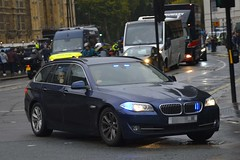 Unmarked BMW 525d (S11 AUN) Tags: london metropolitan police bmw 525d 5series qcar unmarked robbery squad royal protection panda car irv incident response unit arv armed firearms support 999 emergency vehicle metpolice responding