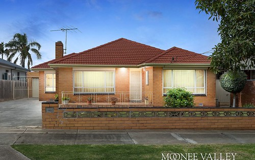15 Monmouth St, Avondale Heights VIC 3034