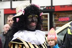 Zwarte Piet (Gerard Stolk ( vers le toussaint)) Tags: zwartepiet denhaag lahaye thehague haag