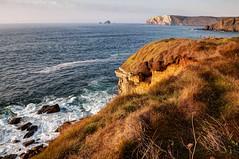 Costa soleada (ccc.39) Tags: asturias verdicio gozón mar cantábrico costa atardecer cabopeñas sea coast cliffs sunset