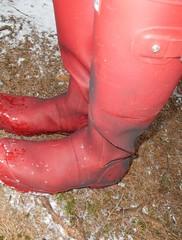Red wellies (Lisban2009) Tags: wellies leakingwellies rubberboots gummistiefel