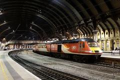 43251 1S26 york station 18.11.2019 (Dan-Piercy) Tags: lner hst class43 43251 43306 york station plt5 1s26 london kingscross edinburgh eastcoast service ecml