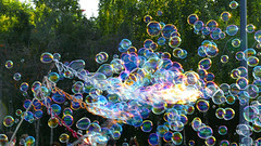 D22977.  Bubbles. (Ron Fisher) Tags: london southbank entertainer bubble panasonic panasoniclumixfz1000 fz1000 lumix