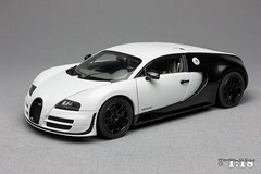 Bugatti Veyron Super Sport Pur Blanc (mihals) Tags: bugatti veyron supersport purblanc autoart signature mihals mihals118 mihalseu diecast model collection collector hobby ckmodelcars hypercar scale scale118