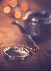 Tea infuser cap (Ro Cafe) Tags: lids nikkor105mmf28 macro sonya7iii stilllife tea bokeh selectivefocus teainfuser