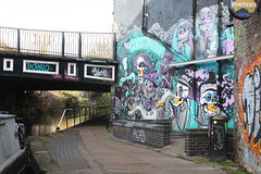 18.11.2019   (33) mural on the live misic pub, The Constitution, Regent's Canal (ginann) Tags: regentscanal london theconstitutionpub mural