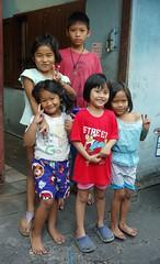 children (the foreign photographer - ฝรั่งถ่) Tags: five children kids khlong thanon portraits bangkhen bangkok thailand sony rx100