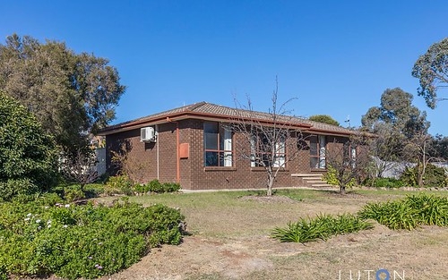 2 Arkell Place, Charnwood ACT 2615